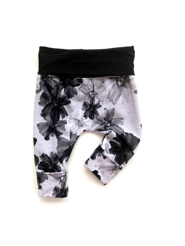Grow Leggings - Monochrome Floral