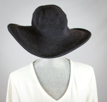 Load image into Gallery viewer, Crochet Wide Brim Hat