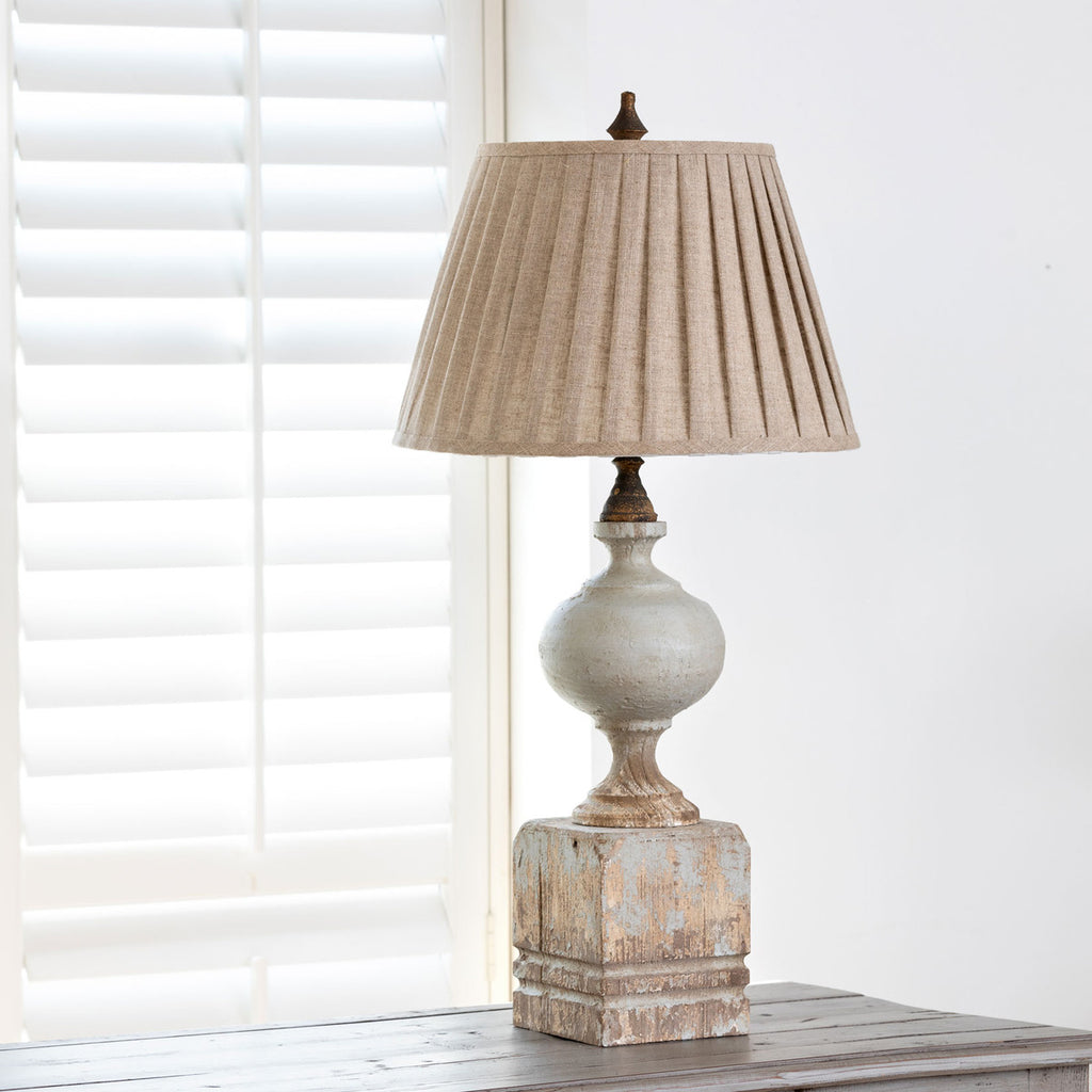Farmhouse Post Lamp with Shade