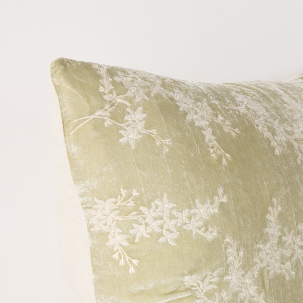 Bella Notte Lynette Accent Pillow