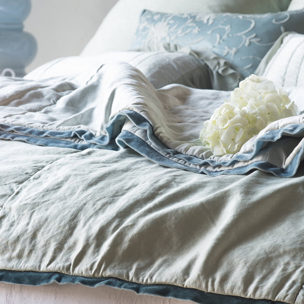Bella Notte Paloma Personal Comforter
