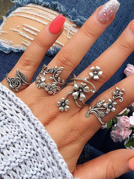 Fashion Personality Ancient Silver Openwork Flower Ring Set