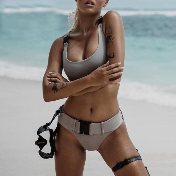 Commando buckle bikini