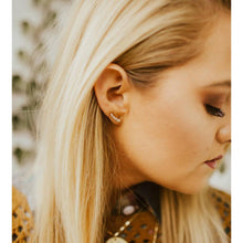 Load image into Gallery viewer, Love Poppy Stud Earrings