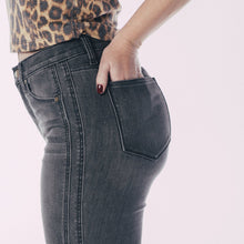 Load image into Gallery viewer, The Crescent Drive Skinny Jeans