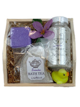 Load image into Gallery viewer, Lavender Handmade Bath Gift Set