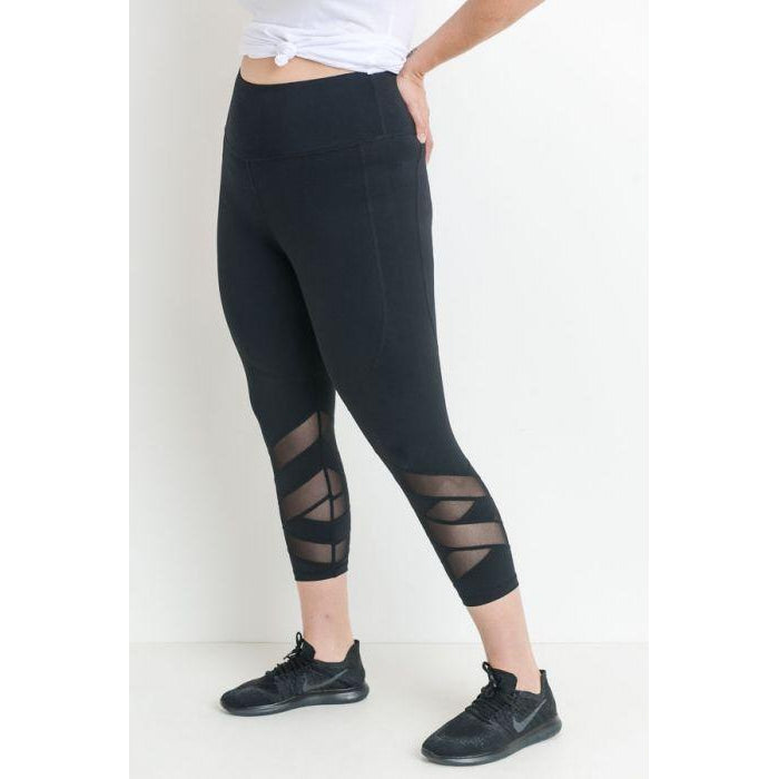 Zig Zag Mesh Capri Athletic Leggings, Curvy