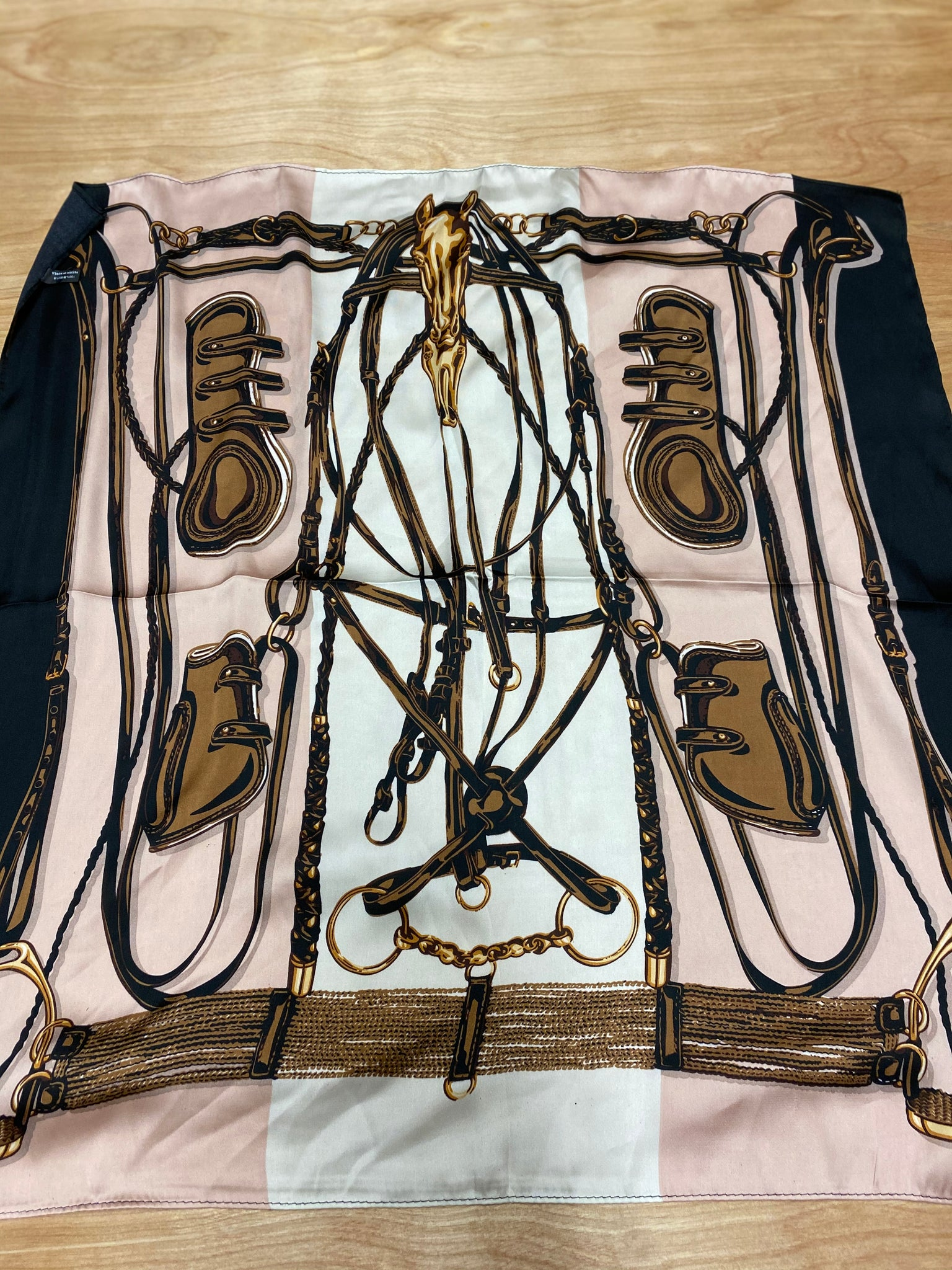 TJP - Scarf - Horse head w/brushing boots and bridle works