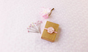 Cohana SAKURA 2021 Limited Edition Glass Head Sewing Pins in Sakura Wooden Box