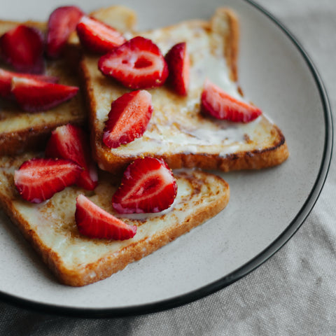 Strawberry Macadamia_Toast