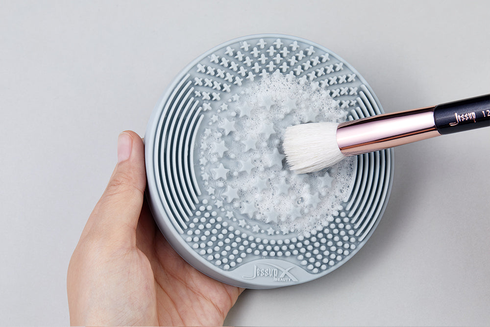 Brush Cleaner 2-IN-1 Dry(Sponge) & Wet(Silicone)