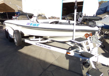 Load image into Gallery viewer, 2002 Ranger Comanche 520 VX bass boat