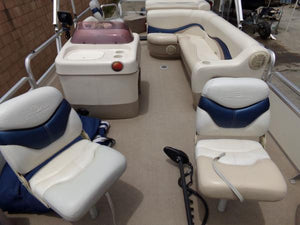 2007 Tracker 21 Fishin Barge Pontoon Boat