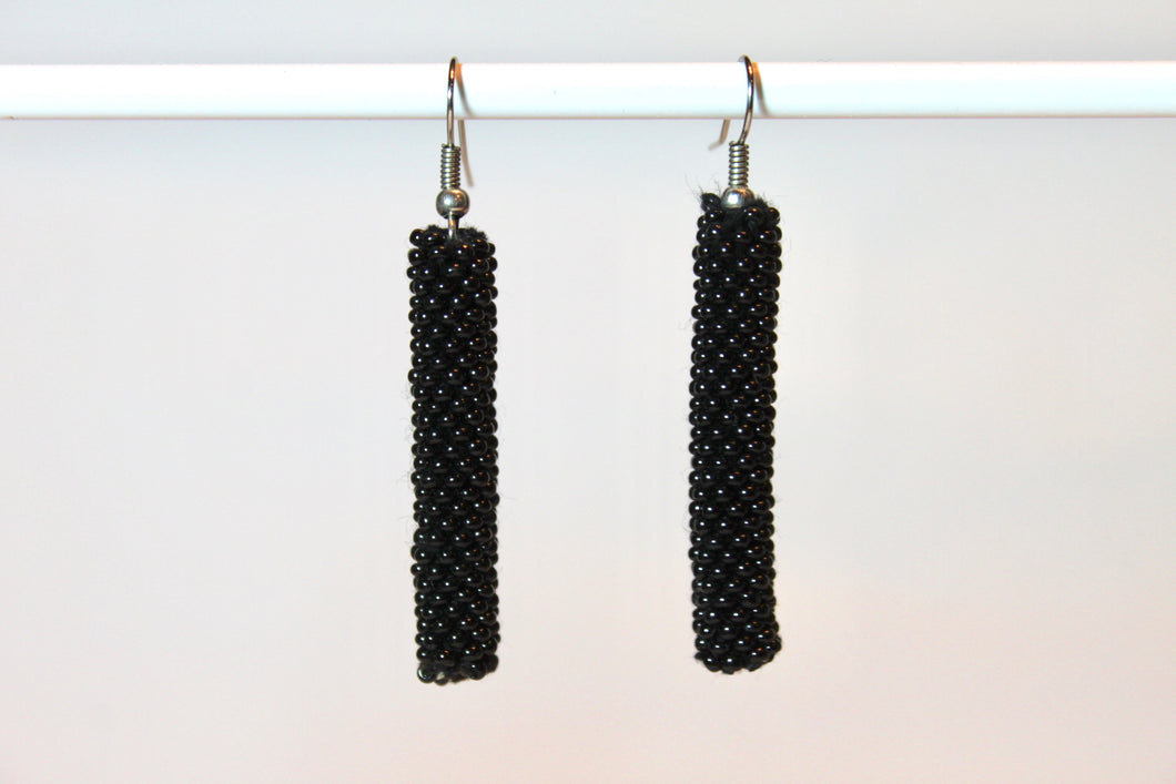 Knitted Column Earrings - Black