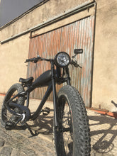 Load image into Gallery viewer, Cooler King 750ws BLACK EDITION eBike - 48v, Retro Style Electric Bike