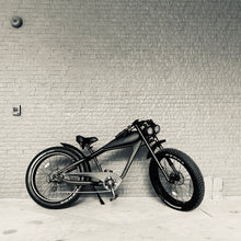 Load image into Gallery viewer, JULY DELIVERY: Cooler King 750st BLACK EDITION eBike - 48v, Retro Style Electric Bike