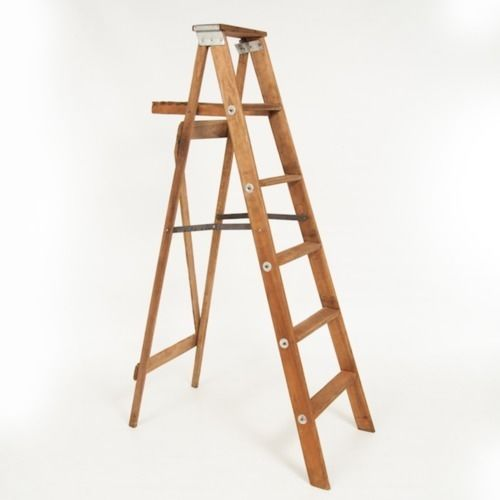 LADDER - BROWN WOOD 1.6M