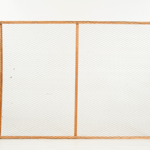 FRAME - WOOD WITH WIRE MESH 90CM X 120CM