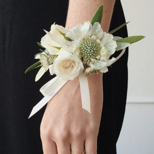 FLORALS - WRIST CORSAGE - FOR LADIES