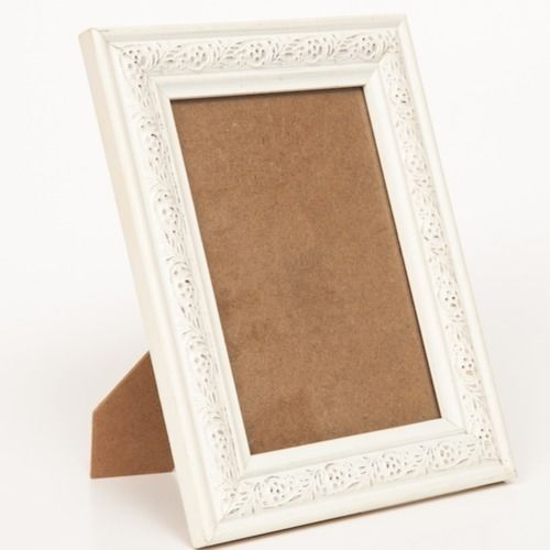 FRAME SMALL - WOODEN WHITE  (PIC SIZE 12X17CM)