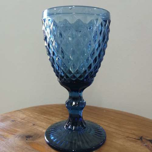 GLASSWARE - TEXTURED - WINE GLASS - BLUE