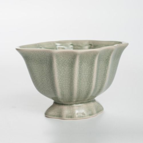 CERAMIC VASE - OVAL SCALLOP - GREY 9CM
