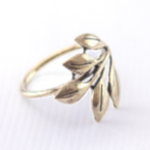 NAPKIN RING - BRASS LEAVES