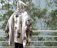 Load image into Gallery viewer, Handmade Alpaca Wool Poncho (Reinvented Brown)