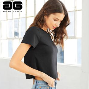 Adonis & Grace Flowy Cropped T-Shirt Black