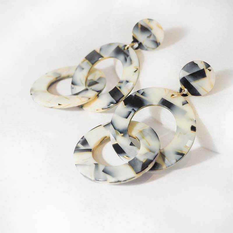 Emily Link Drop Earrings in Ivory & Black - Violent Tinsel