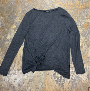 Long Sleeve Gray Knotted Front