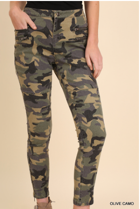 Olive Camo Pants by Umgee