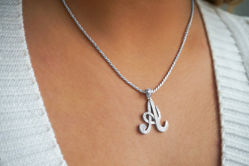 'SCRIPT INITIAL ROPE NECKLACE'