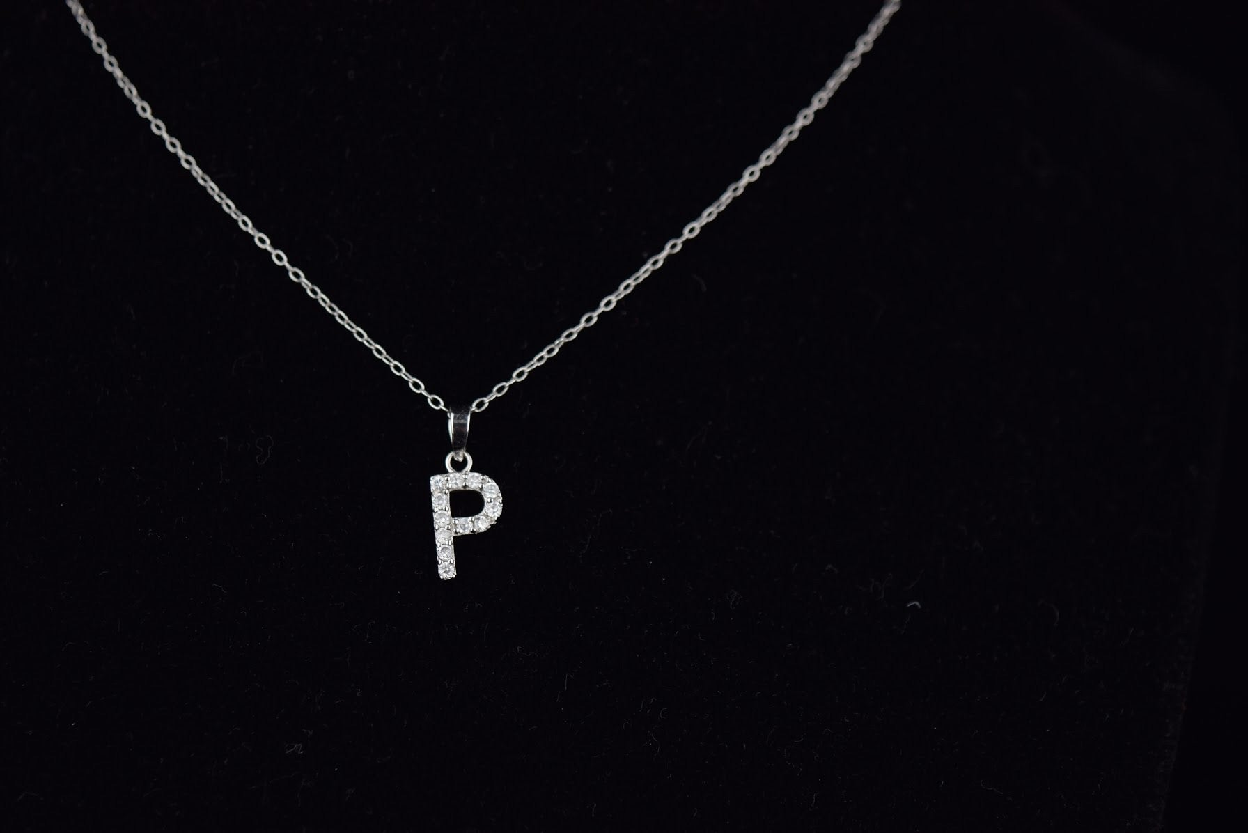 'CLASSIC INITIAL' necklace - SHOP PAIGE