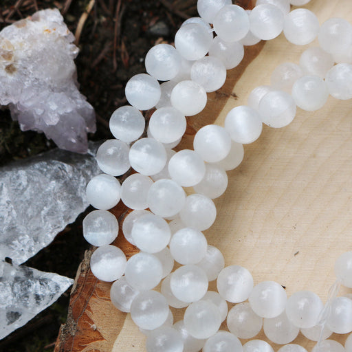 selenite, 8mm, round, glossy, white, sold as 1 strand, approx. 48 beads.