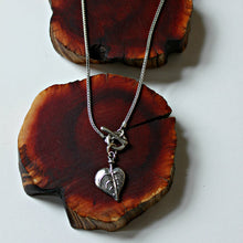 Load image into Gallery viewer, Bohdi leaf toggle front  necklace