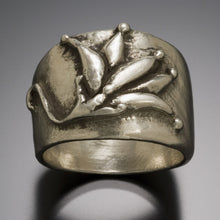Load image into Gallery viewer, lotus blossom ring with OM engraved inside