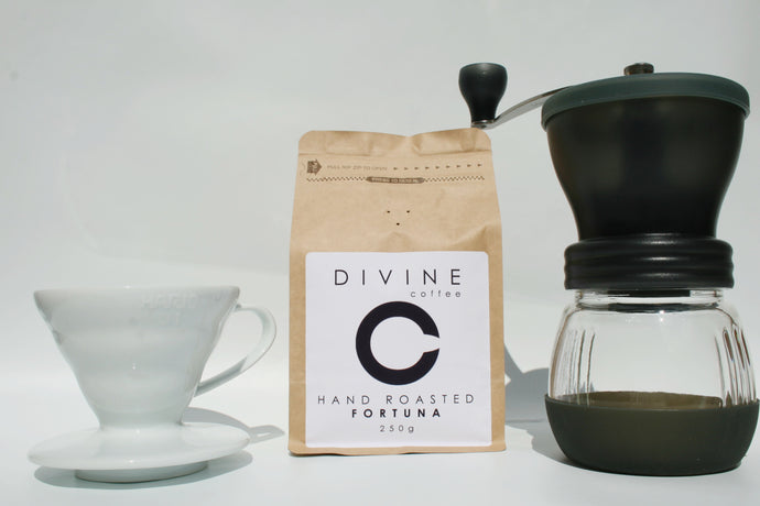 Divine Coffee 250g, Skerton Hand Grinder and Ceramic V60 bundle