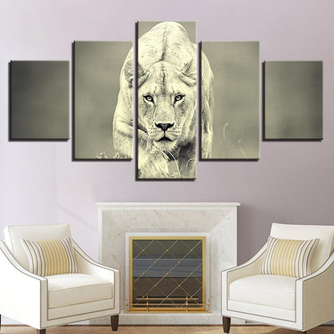 Animal Lion Hunting Retro Paintings - Mystikz Gaming