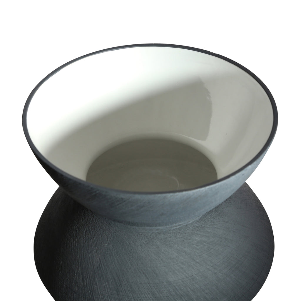 SMALL CHARCOAL ANGLED SCRATCH VASE
