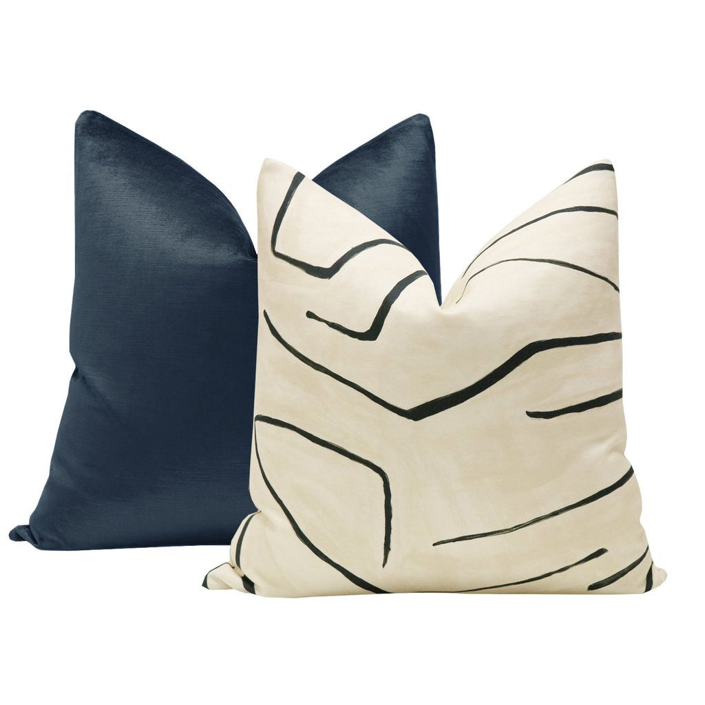 GRAFFITO LINEN ONYX PILLOW