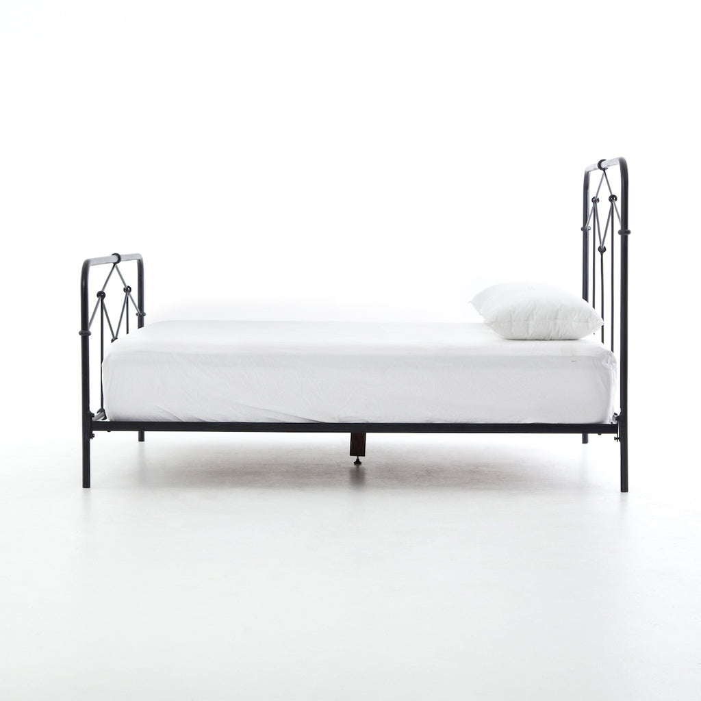 CASEY BLACK QUEEN BED