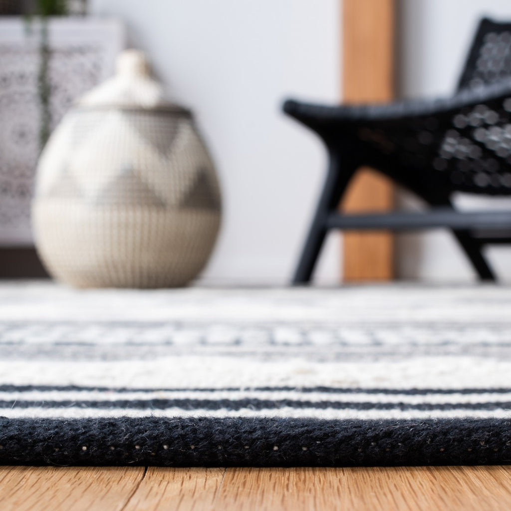 BLACK/ IVORY STRIPE BOHO TRIBAL RUG
