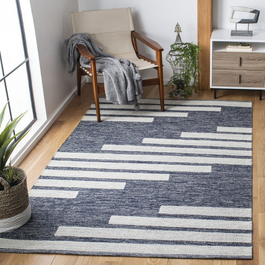 NAVY/ IVORY BOHO TRIBAL RUG