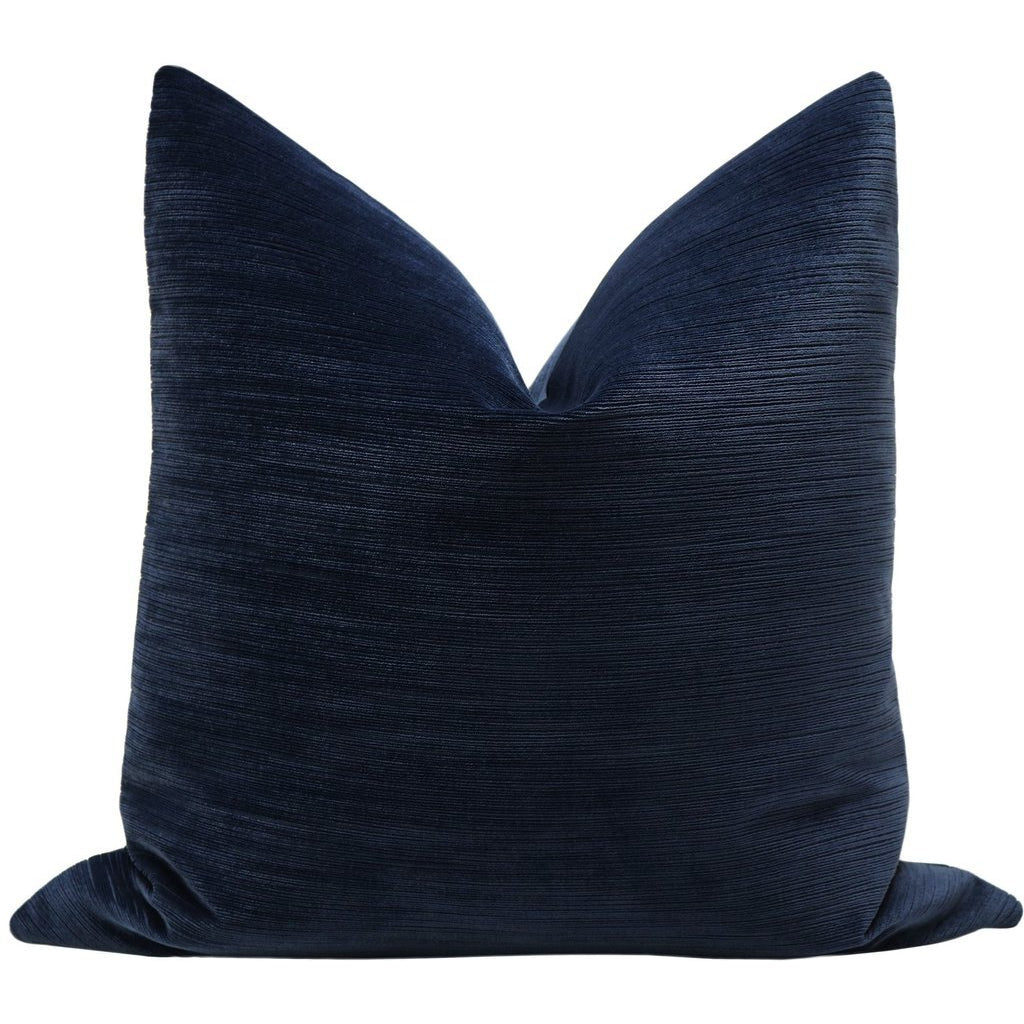 STRIE VELVET NAVY PILLOW
