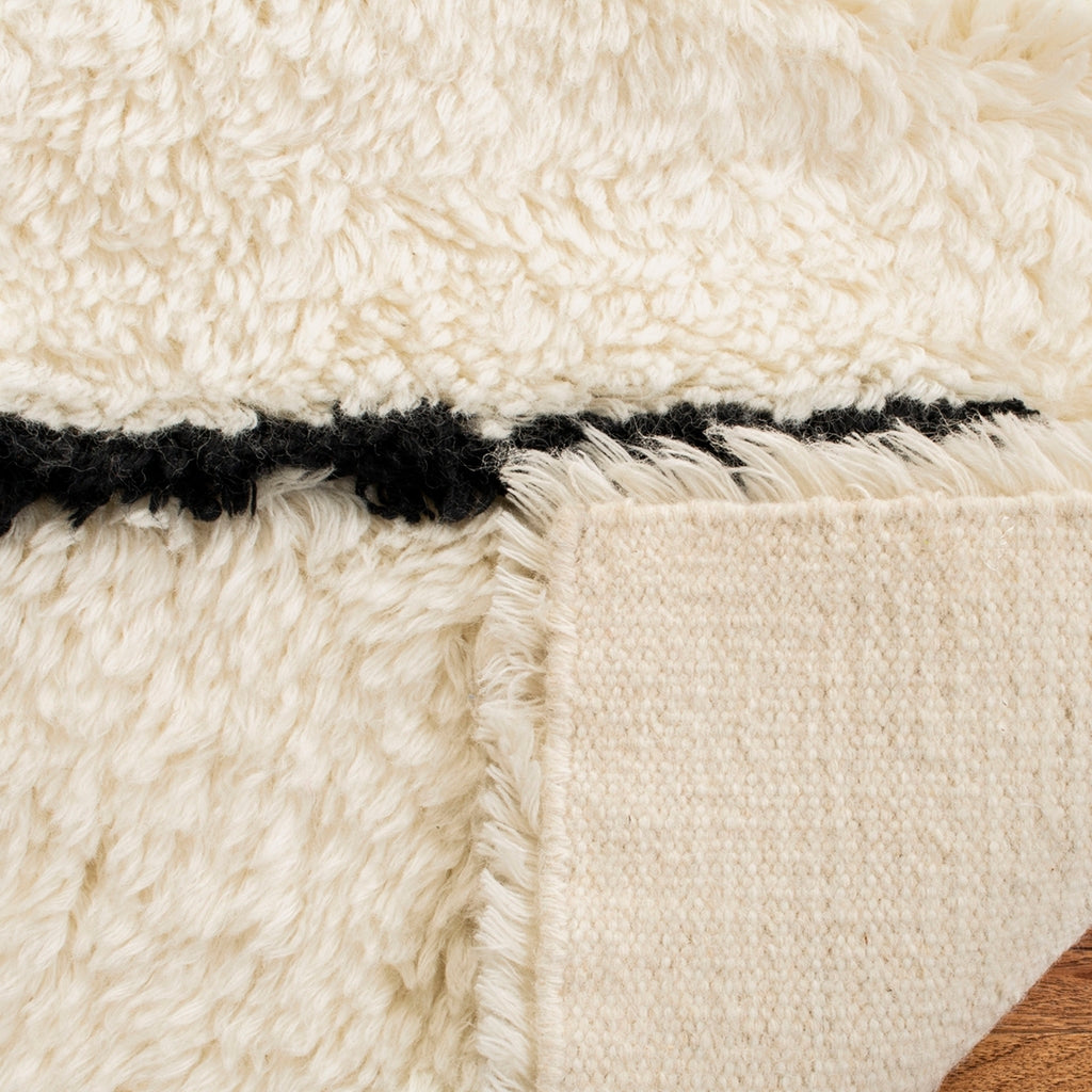 IVORY/ BLACK LINE EASTON RUG