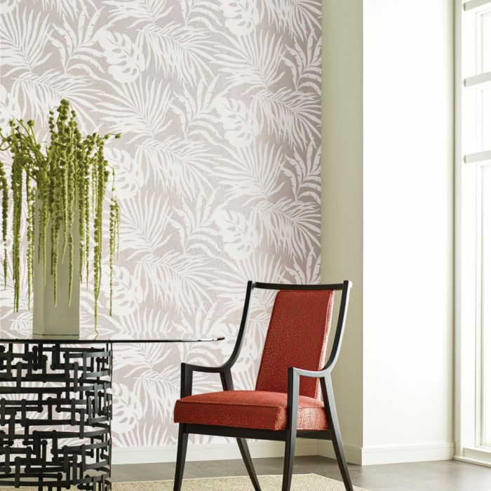 paradise palm II white/ pearl wallpaper in dining room