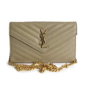 SAINT LAURENT Wallet On Chain WOC in Beige Grained Calfskin - Dearluxe.com