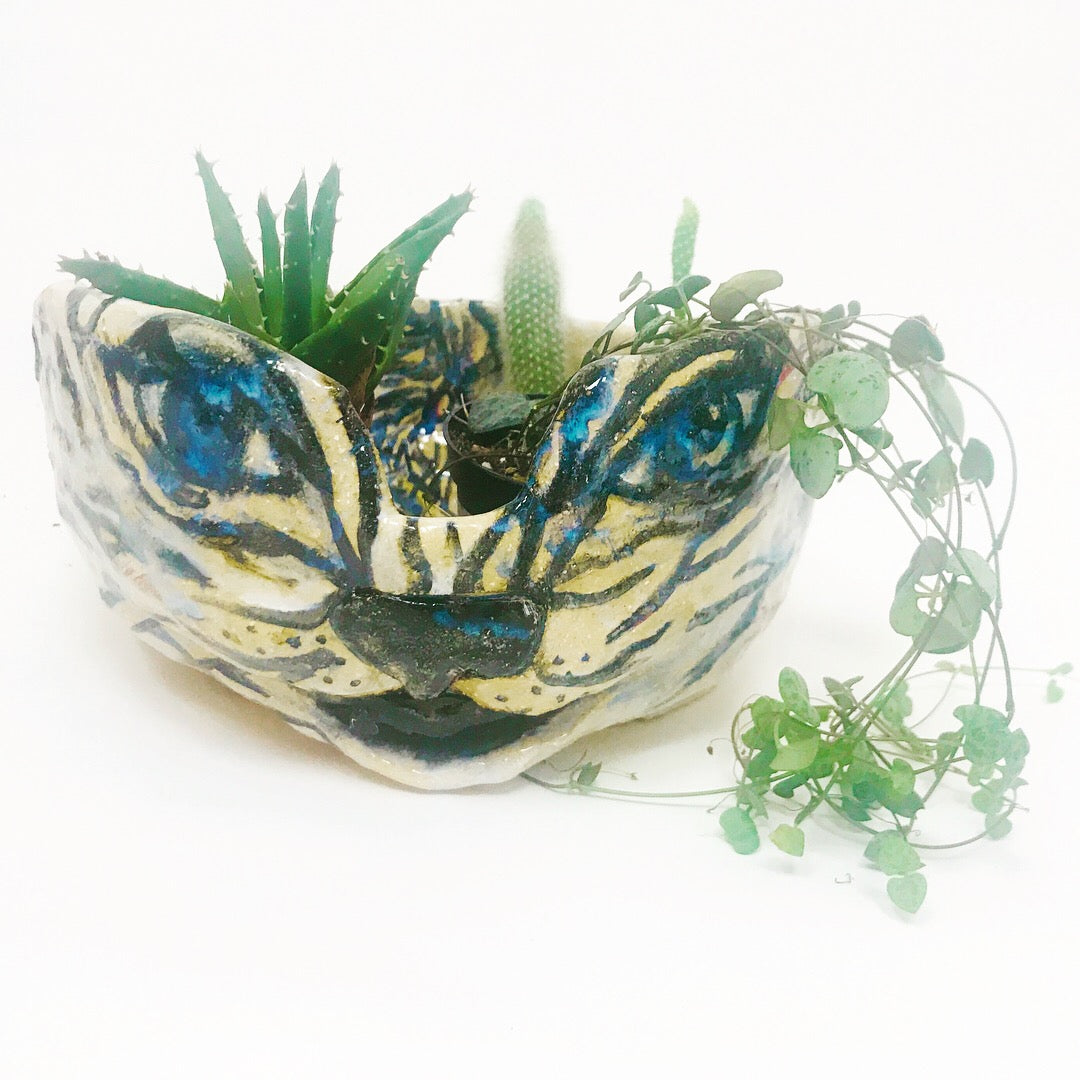 Crouching Tiger Planter