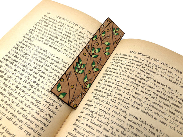 green leaf bookmark